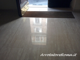 Arrotatura pavimenti in travertino Roma - Arrotatura Marmo Roma